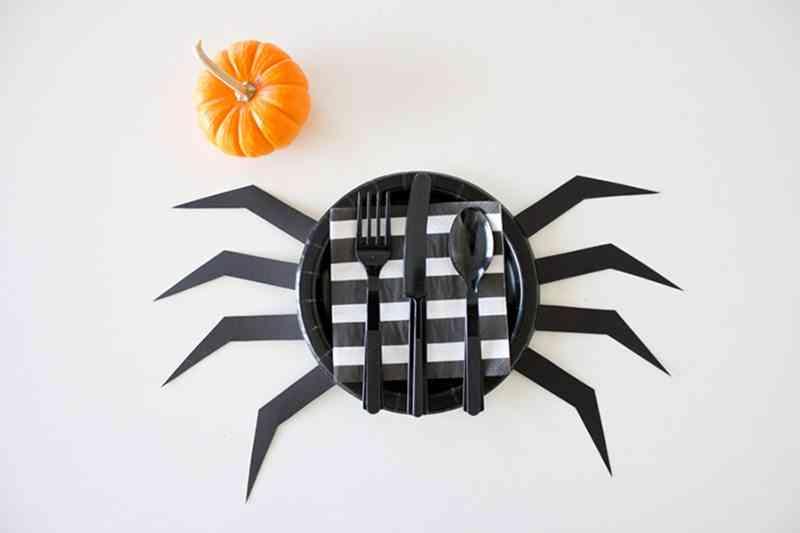 decorar-con-aranas-una-fiesta-de-halloween-platos-2
