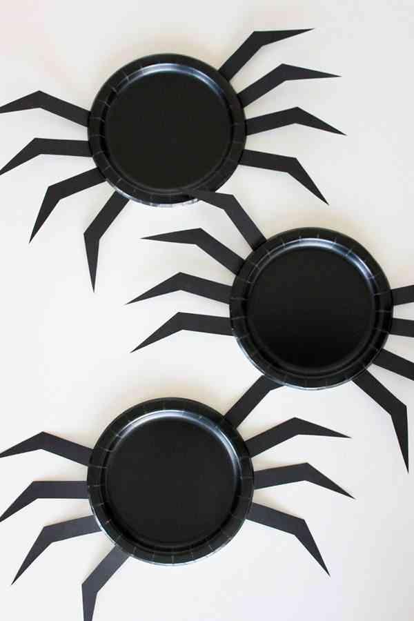 decorar-con-aranas-una-fiesta-de-halloween-platos