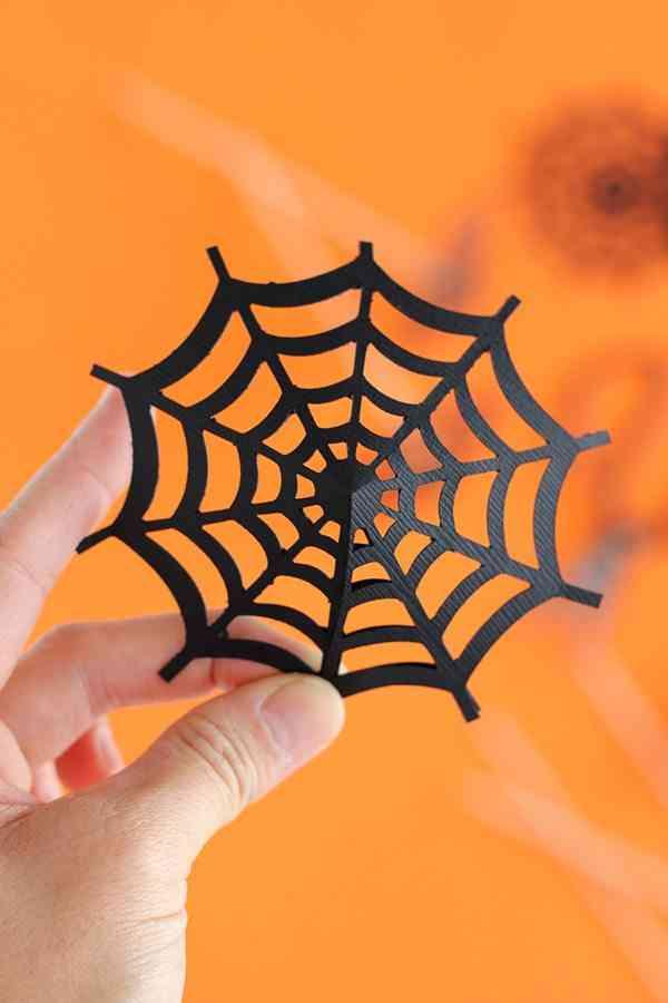 decorar-con-aranas-una-fiesta-de-halloween-sombrilla-2