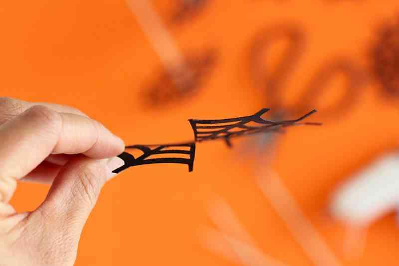 decorar-con-aranas-una-fiesta-de-halloween-sombrilla