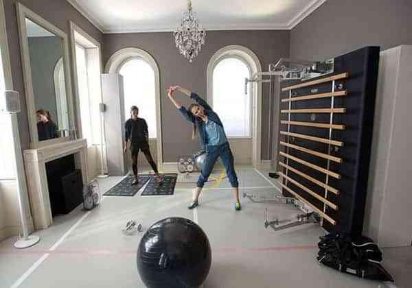 C mo hacer un gimnasio en casa con poco espacio y mucho gusto - Ejercicios de gimnasio en casa ...