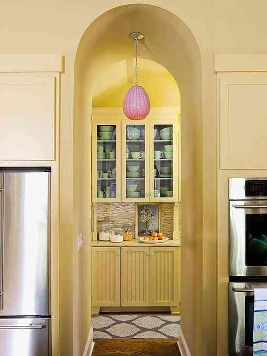 iluminar-la-casa-y-ahorrar-energia-better-homes-pasillo