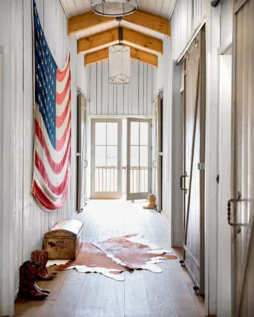 aprovechar-el-espacio-en-pasillos-country-living