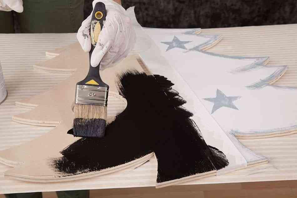 arbol-de-navidad-de-madera-pintar-de-negro-12