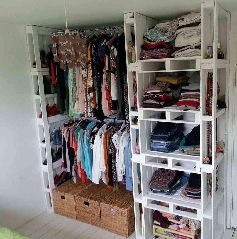vestidor pequeño con palets