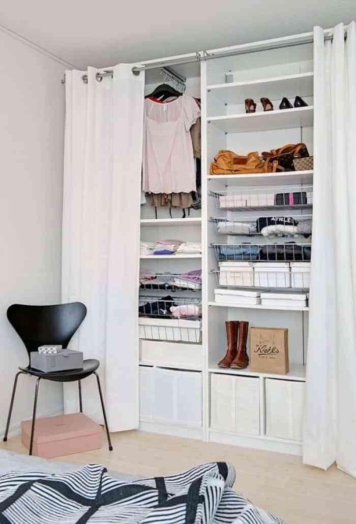 vestidor pequeño con cortinas