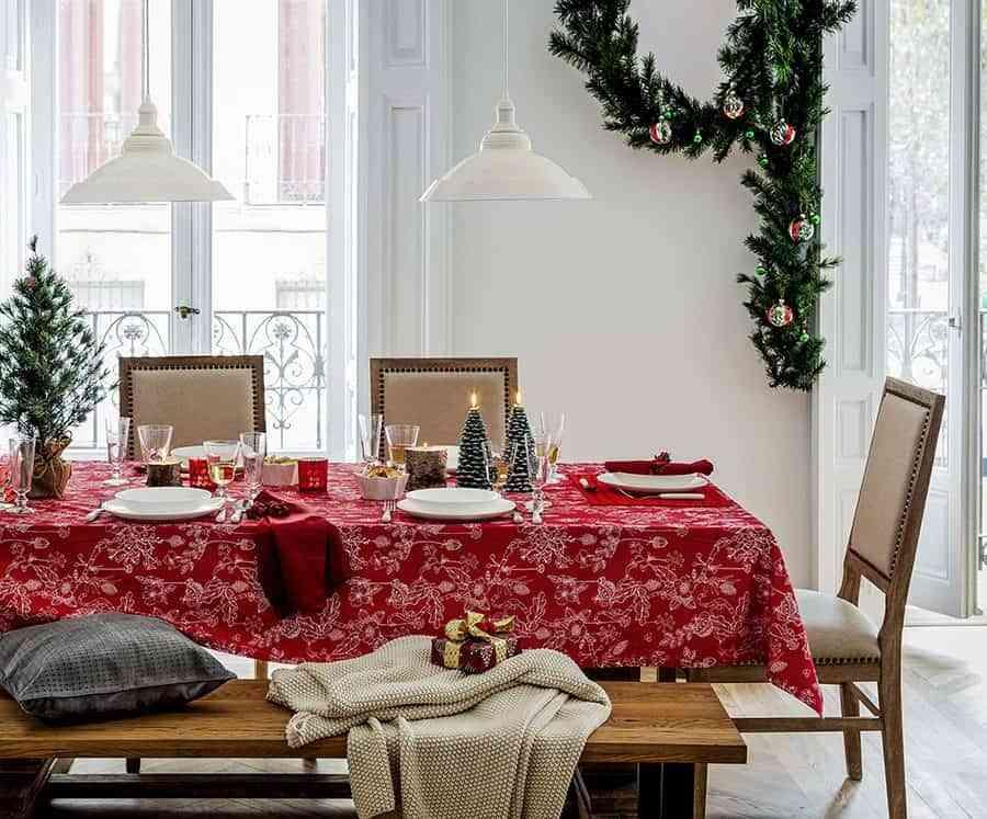 poner la mesa de navidad eci rojo
