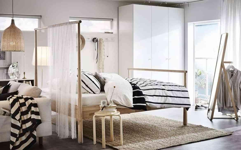 colocar cojines en la cama - calidez y confort