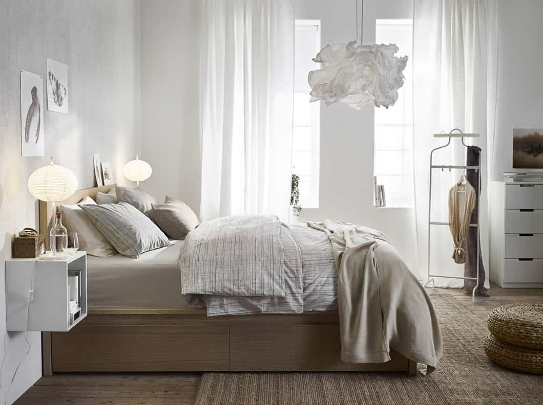colocar cojines en la cama - colores