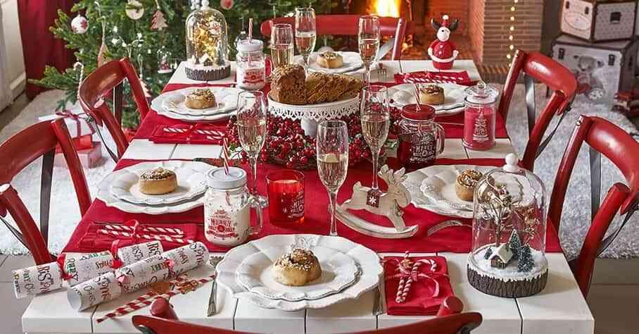 4 estilos diferentes para adornar la mesa de navidad