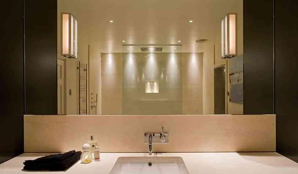 7 reglas de oro infalibles para iluminar el cuarto de baño