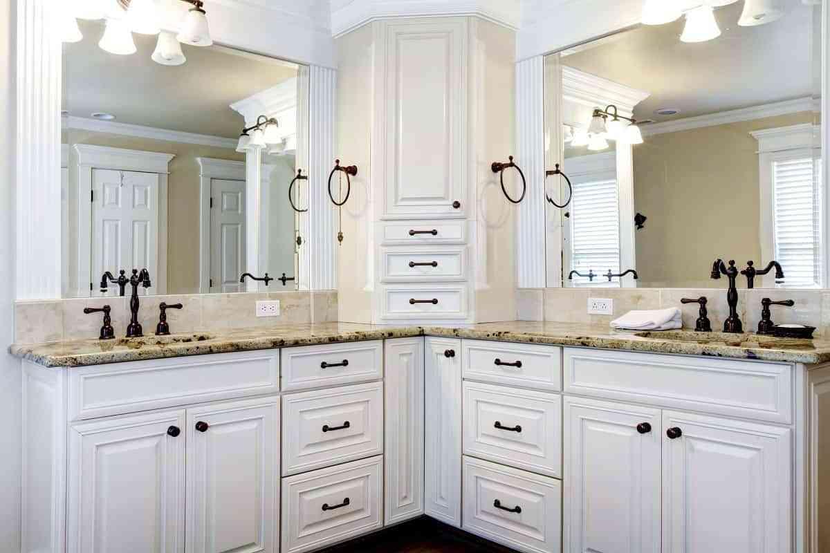 reformar el baño invirtiendo en iluminación