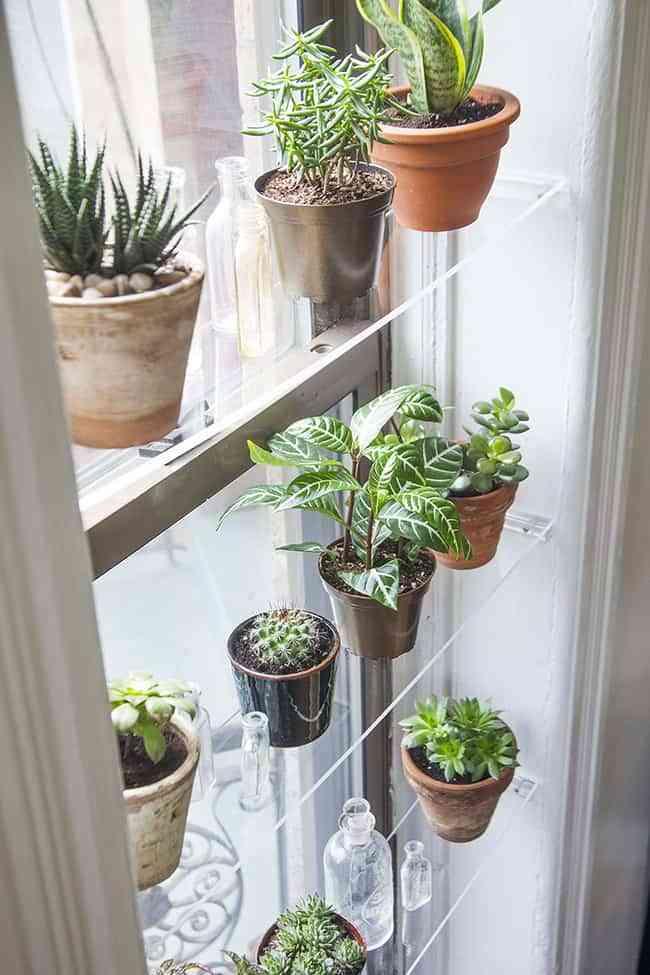 DIY: cómo hacer baldas flotantes para decorar una ventana