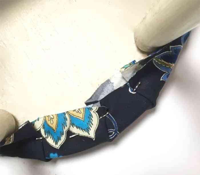 tapizar-un-taburete-paso-7remate-posterior