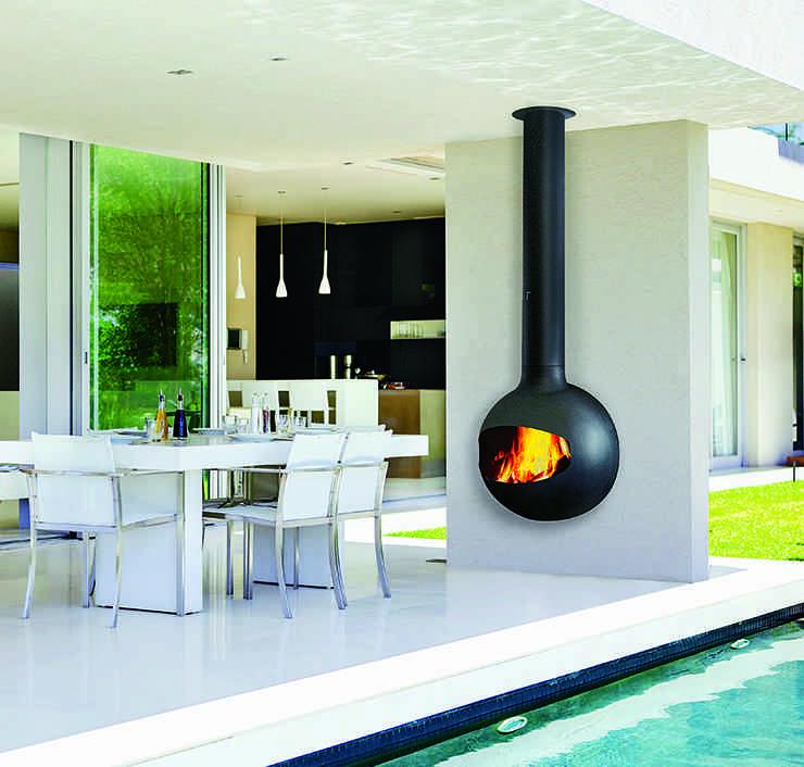 Elige una chimenea de exterior y disfruta de tu jardín todo el año
