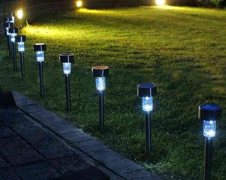 Claves para elegir la mejor iluminaci n solar para el jard n o la terraza - Iluminacion solar jardin ...
