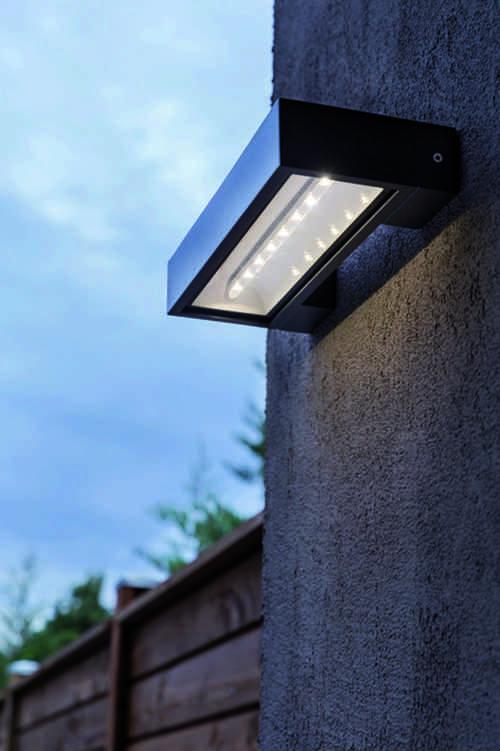 Claves para elegir la mejor iluminaci n solar para el - Fuentes solares para jardin ...