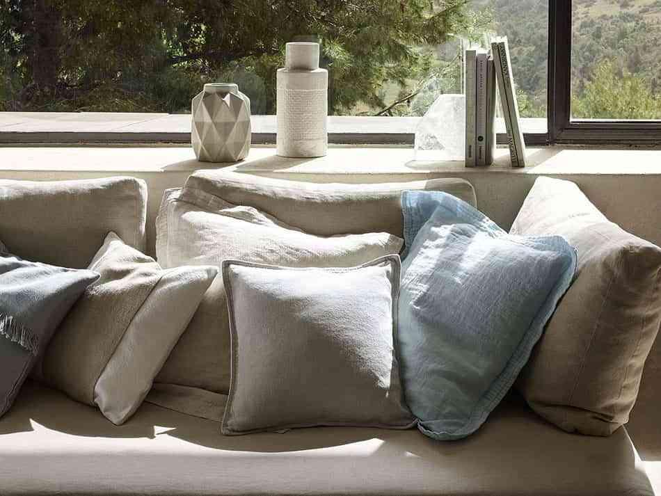 Elige el lino para vestir la casa y disfruta de su belleza - Cojines de zara home ...