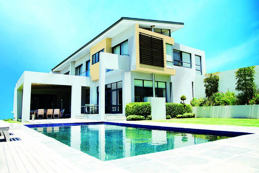 Colores e ideas para renovar la fachada y dejarla espectacular for Renovar fachadas de casas