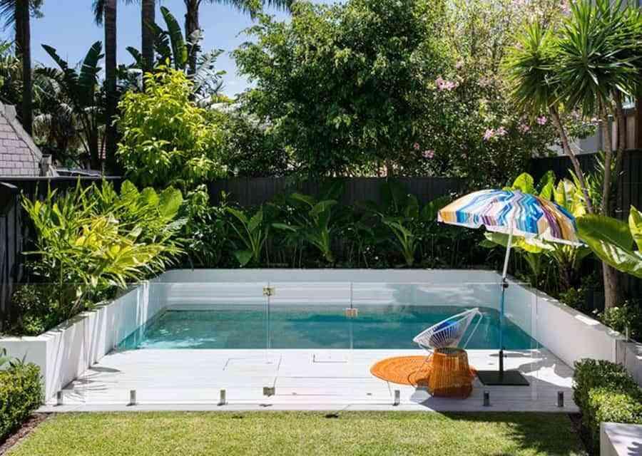 5 consejos para ahorrar agua en la piscina este verano for En la piscina