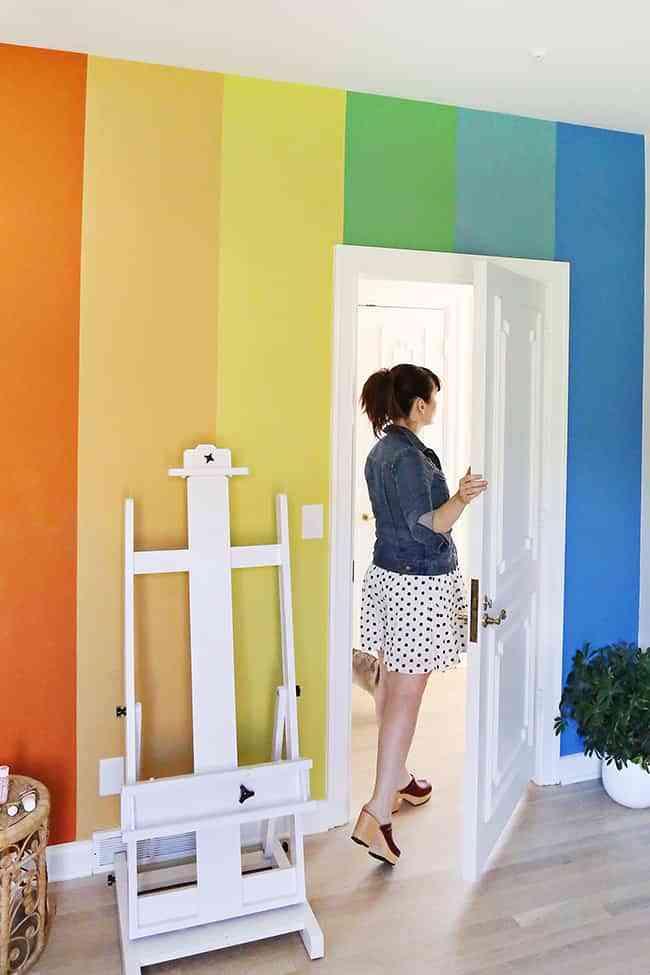 Una pared de colores para alegrar cualquier habitación de tu casa