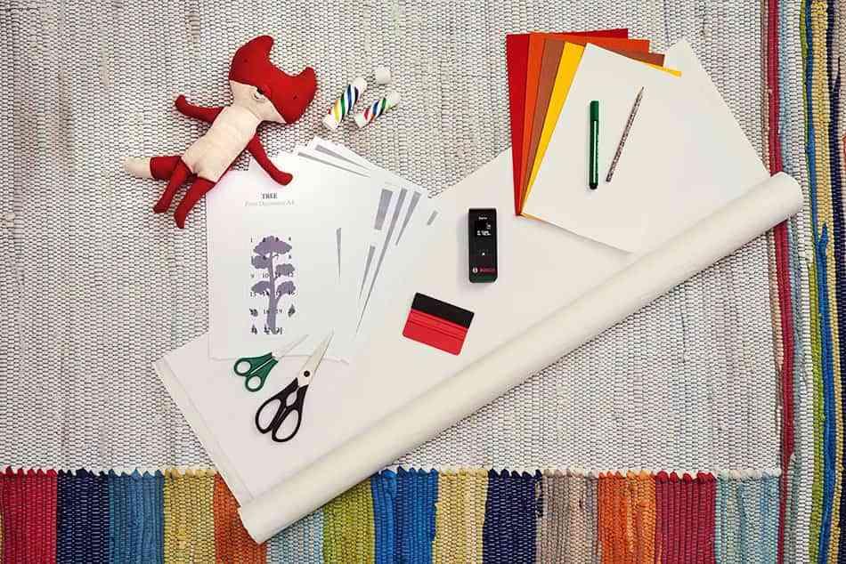 para hacer este vinilo medidor no necesitaris muchos materiales bastar con que busques papel vinlico de diferentes colores pegamento de