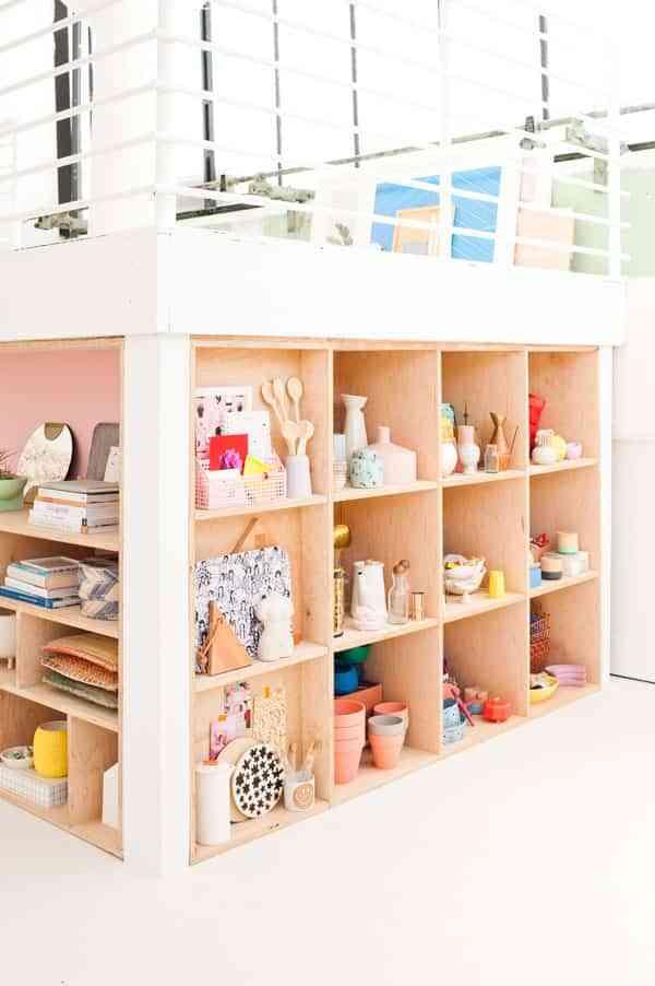 DIY: 2 estanterías para guardar cosas pequeñas hechas con madera