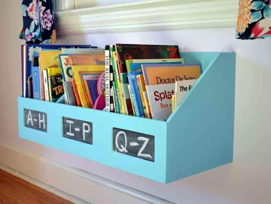 6ac79d71b Ideas geniales para organizar los libros en el cuarto de los niños