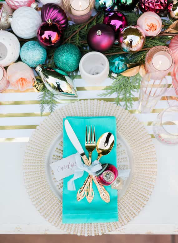3 mesas de navidad originales decoradas con colores diferentes - Mesas de navidad decoradas ...