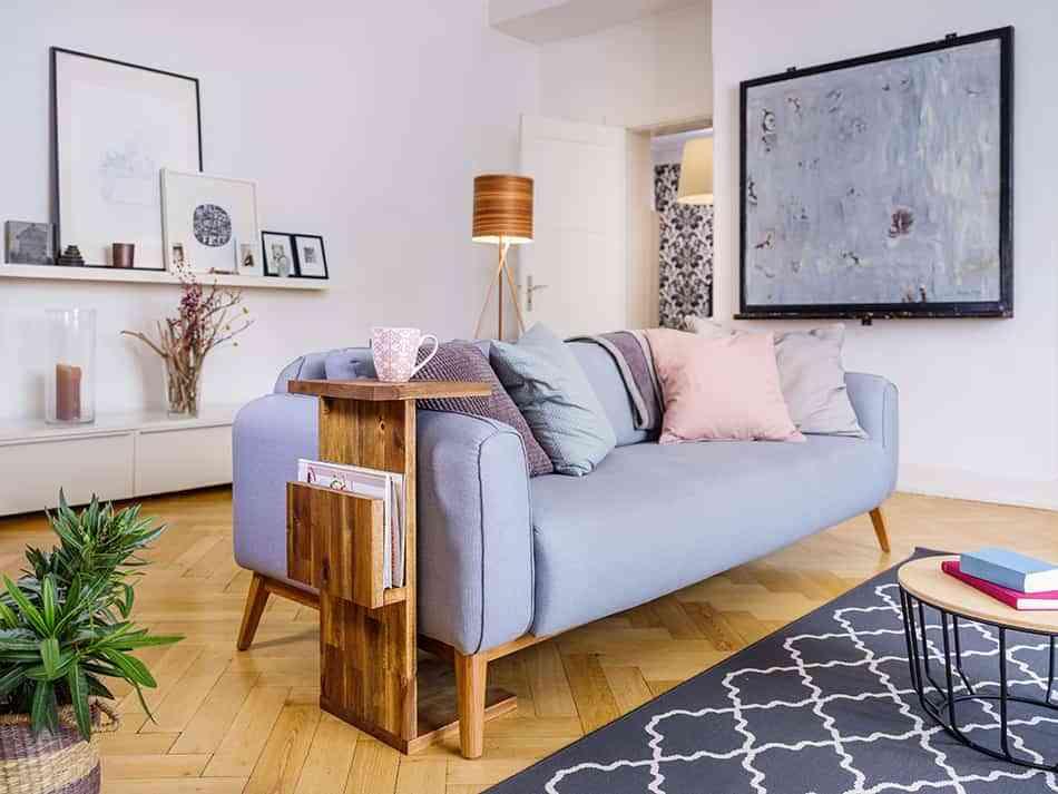 mueble auxiliar para el sofá