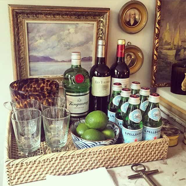 Consejos prácticos para organizar las bebidas en una fiesta en casa