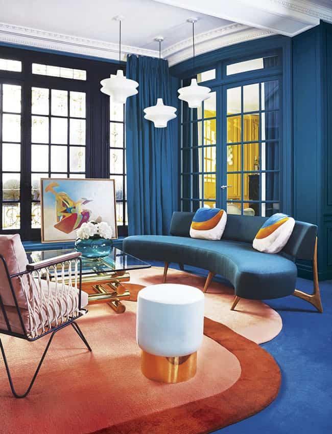 Un apartamento en París vanguardista y rebosante de color