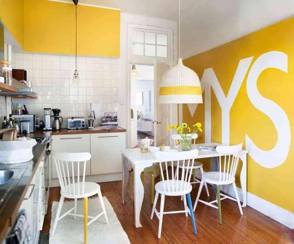 Propuestas low cost para renovar la cocina con papel pintado - Papel pintado en cocina ...