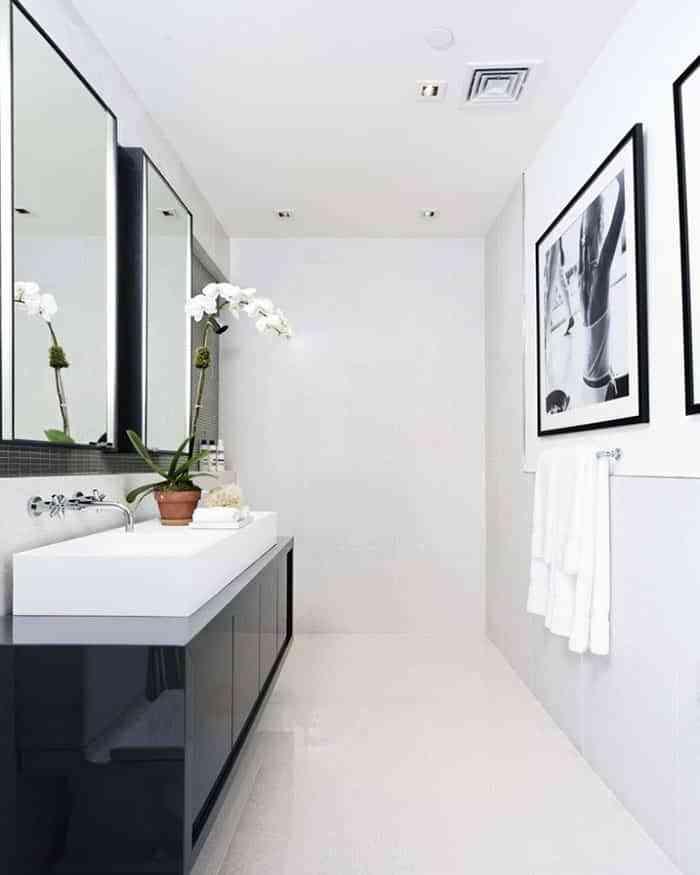 ¿Te animas a decorar el baño en blanco y negro? Será un ...