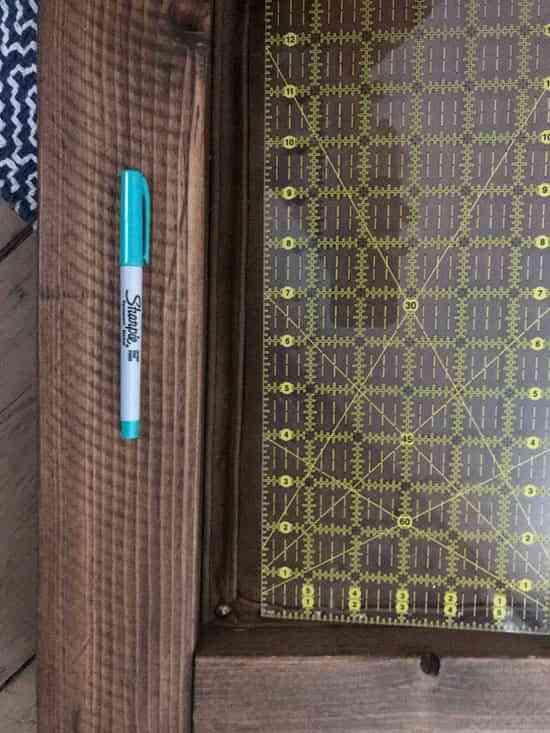 Diy un cabecero tapizado en cuero para decorar un - Chinchetas para tapizar ...