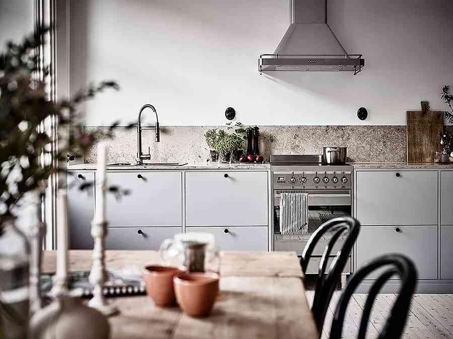 armarios altos en la cocina
