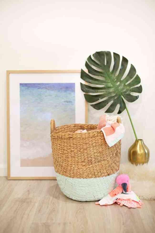 Ideas para decorar cestos para la ropa que no querrás esconder