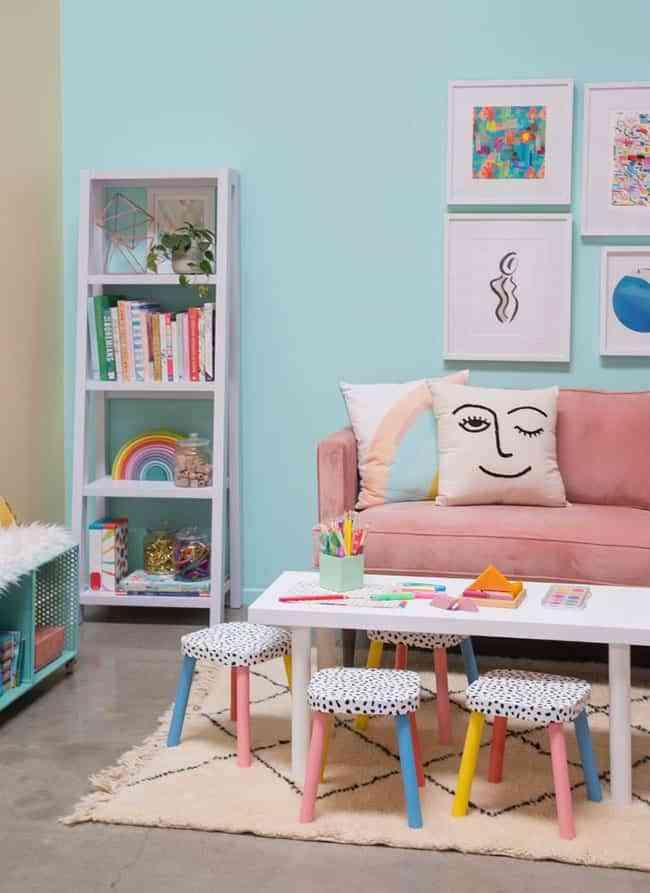 Ideas DIY geniales para decorar taburetes para grandes y pequeños