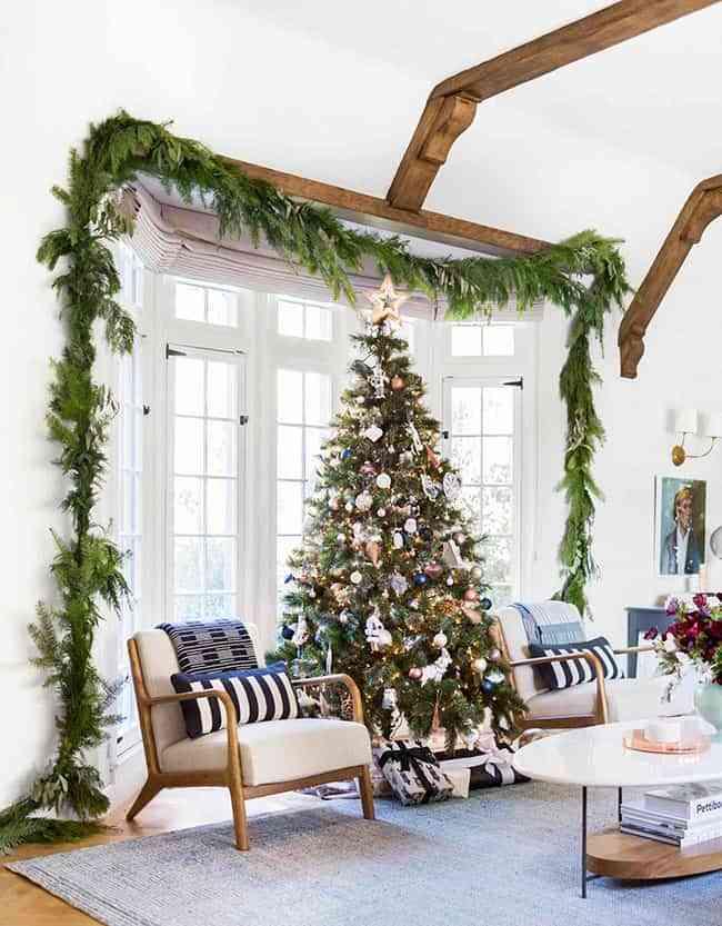 5 ideas geniales para decorar tu casa con guirnaldas navideñas