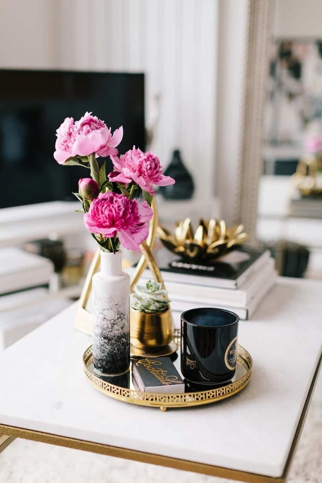 Coffee tables with flowers