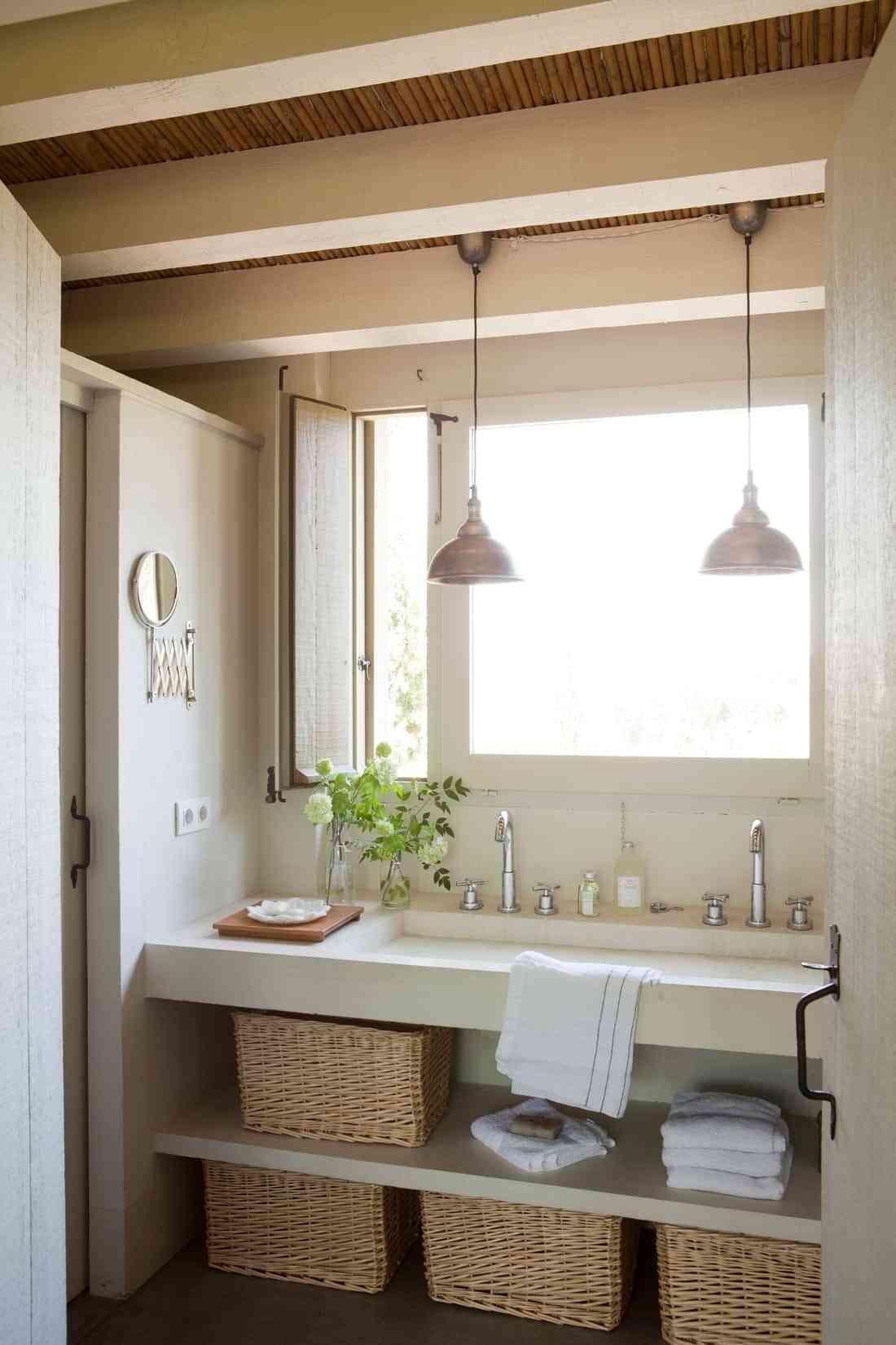 baños rústicos - cestas mimbre