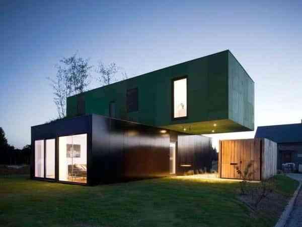 Modular avant-garde houses