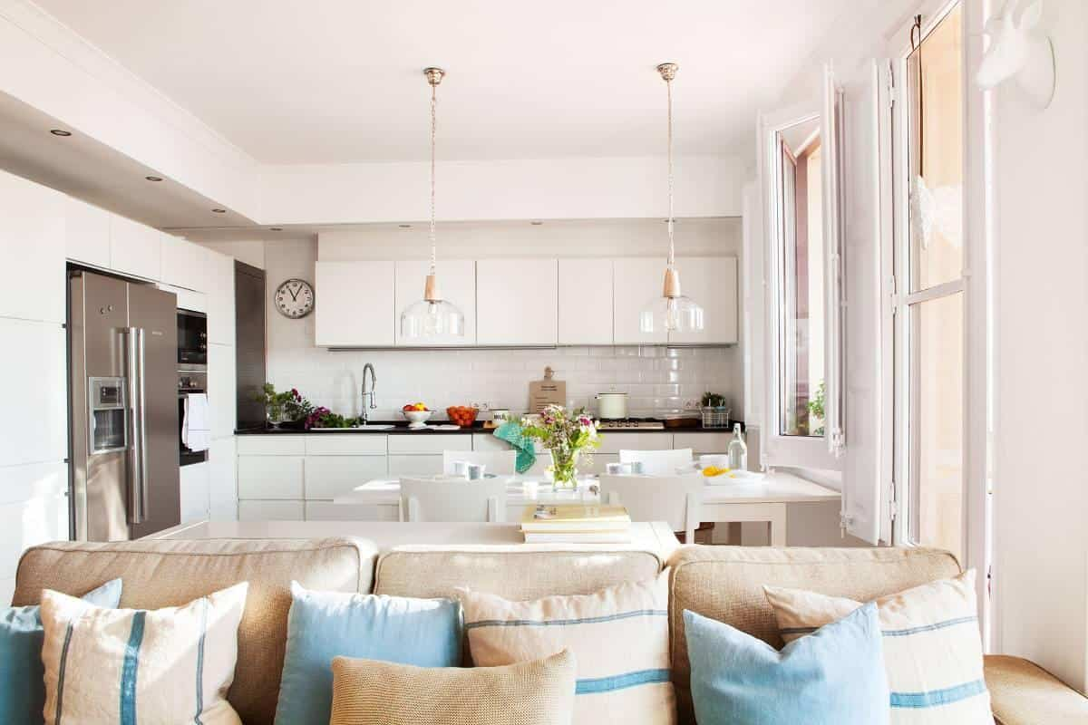 Built-in kitchens in the living room