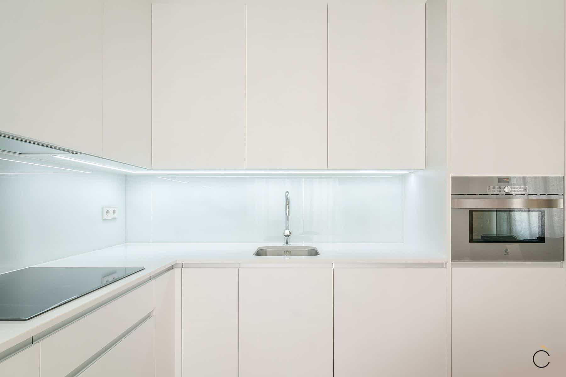 iluminar la encimera de la cocina tiras led