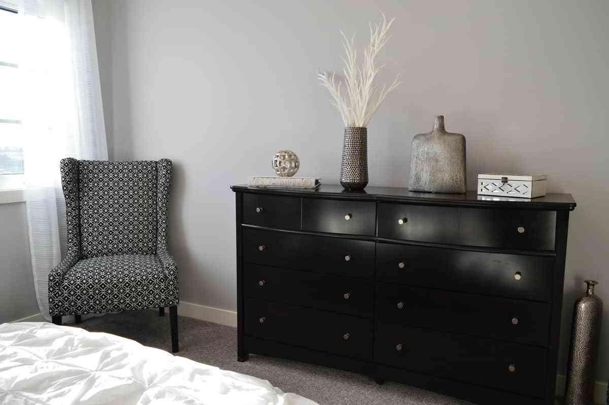 dormitorio con gris