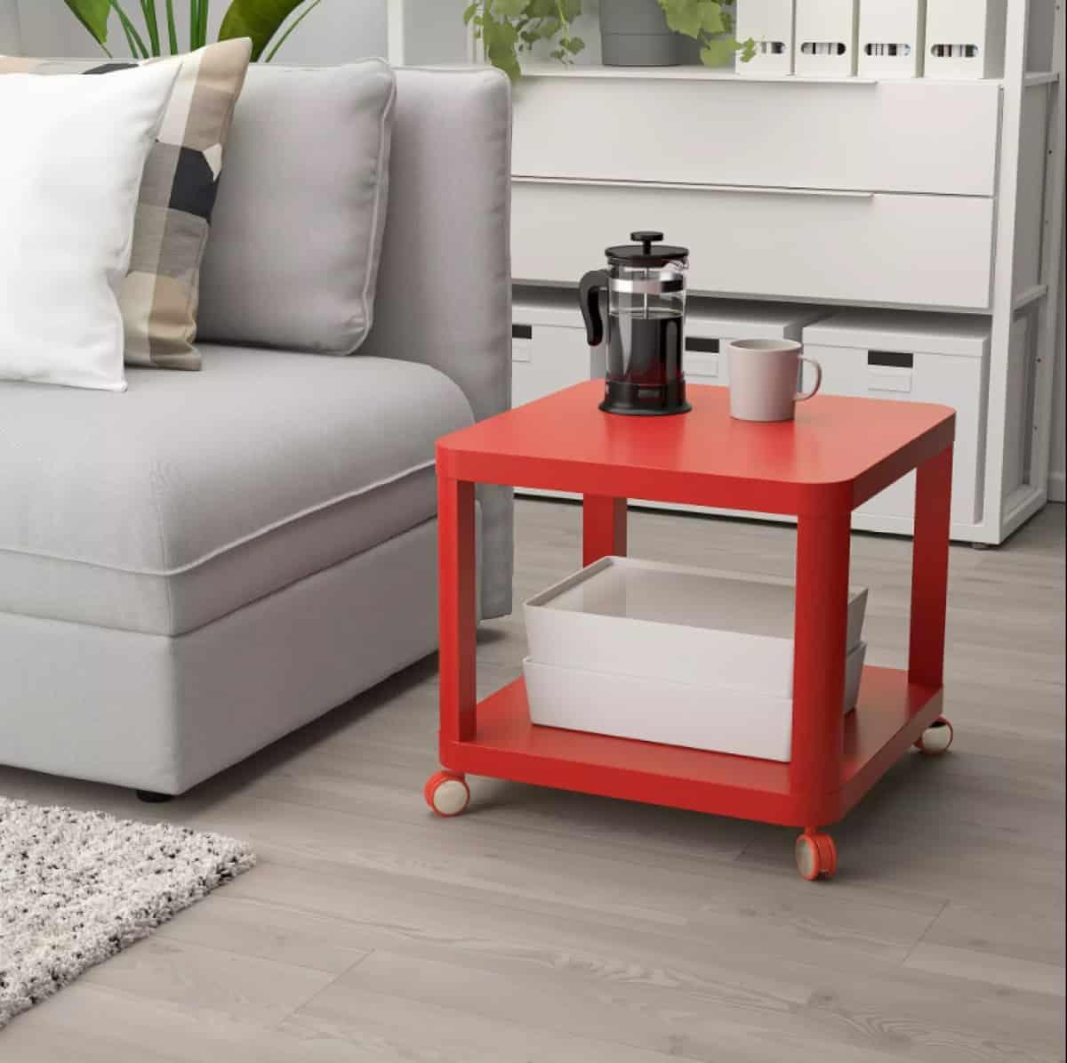 Descubre las mesas auxiliares de Ikea