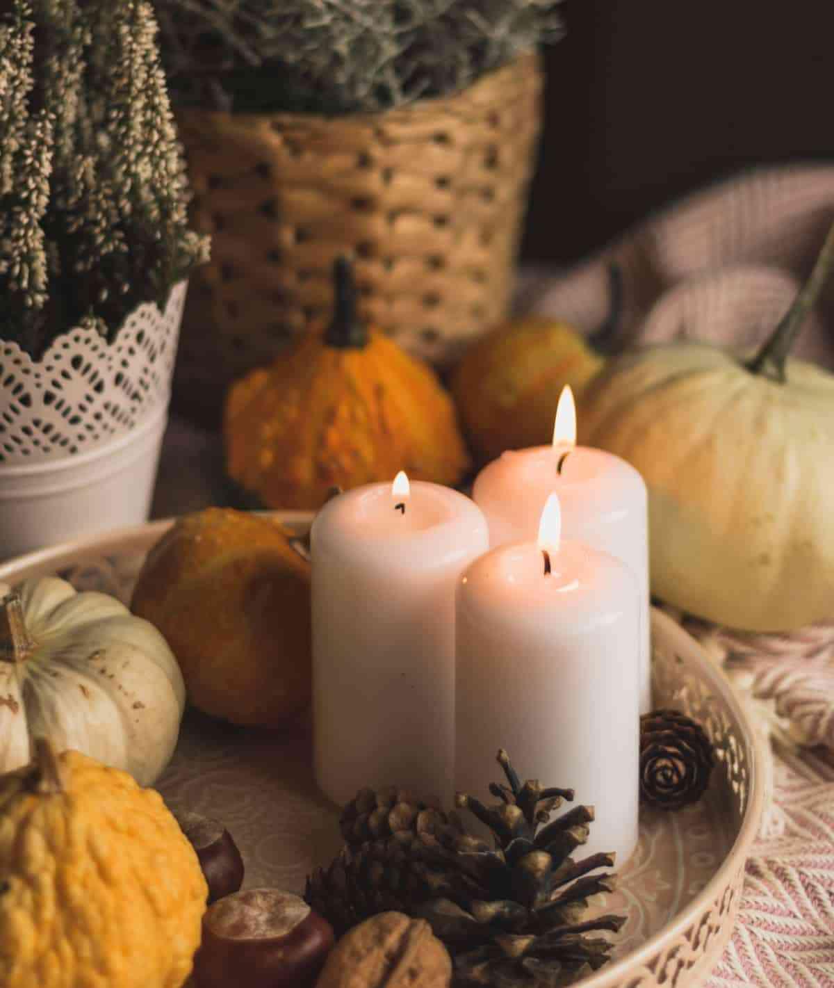 velas y calabazas para decorar