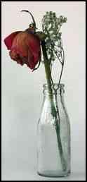 Botella decorada con flor