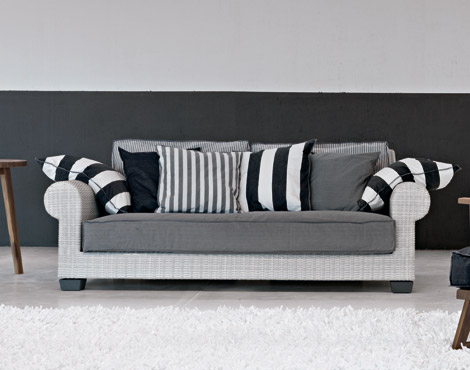 sofá-blanco-y-negro
