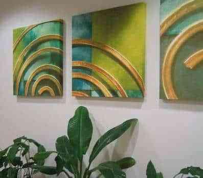 Los cuadros para decorar las paredes - Cuadros verdes alineados